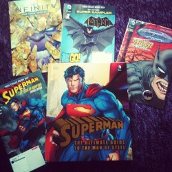 superexperience:  Oh god I love free comic book day!!!! 😃 #freecomicbookday #superman #infinity #batman #funday #dubaimall #kinokuniya (at Book World By Kinokuniya مكتبة كينوكونيا)