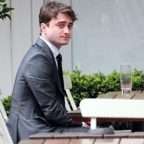 He knows he's cute #danielradcliffe #harrypotter #danradcliffe