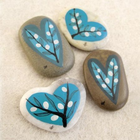 craftjunkie:  Stone Painting {How to} Found at: totalartsoul
