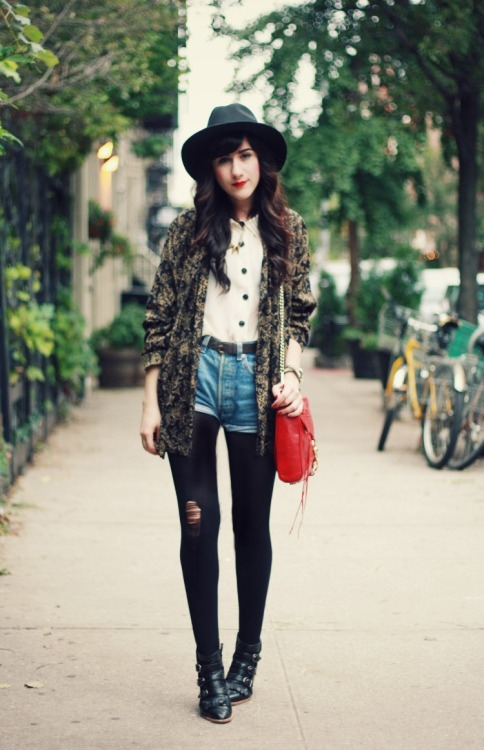 We love how Bonnie of Flashes of Style styled her denim shorts for winter with as cozy coat and tights!