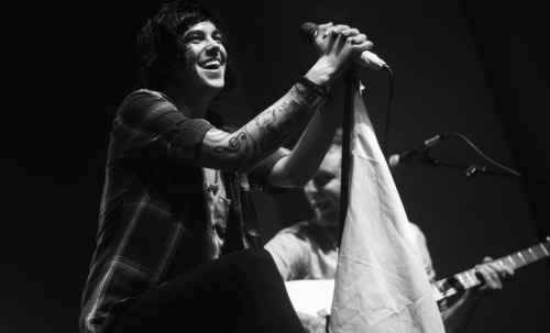 theperfectkellinquinn:  that smile i can't… all the feels