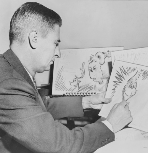 theniftyfifties:  Dr Seuss sketching The Grinch, 1957.