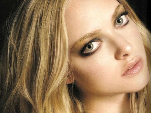 beautyscenenet:  Amanda Seyfried New Face of Givenchy Very Irresistible