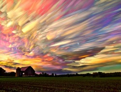 jaredleto:  Smeared Sky by Matt Molloy See + read more on NOTES FROM THE OUTERNET  Flying high in a fairy sky #photography #art #colour #light #sky