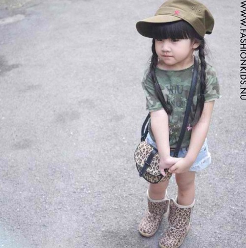 Even this little cutie has her cute little camo shirt!!!😫