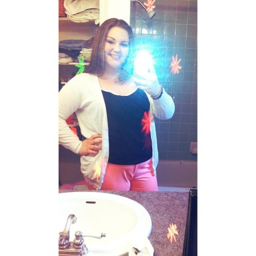 #ootd#cardigan#coralpants#blacktop#blah#smile