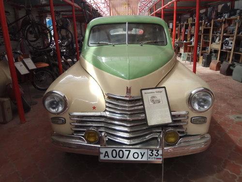 museum exhibition soviet union soviet ussr russia history photography vintage retro vintage cars