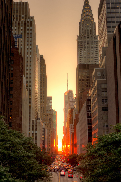 c1tylight5:   Manhattanhenge, July 2011 | Justin Kiner
