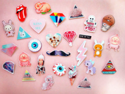 pastelbmob:  Creepy Cute Badges $2.68  q'd // don't forget to be fierce