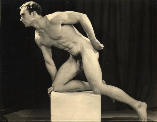Major Dad's Vintage nude 0721  joey54: jafcord: Tom Knott by Graham  (via TumbleOn)