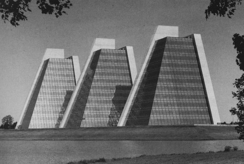 "tenivision:  From ""Modern Architecture since 1900"" by William J. R. Curtis"