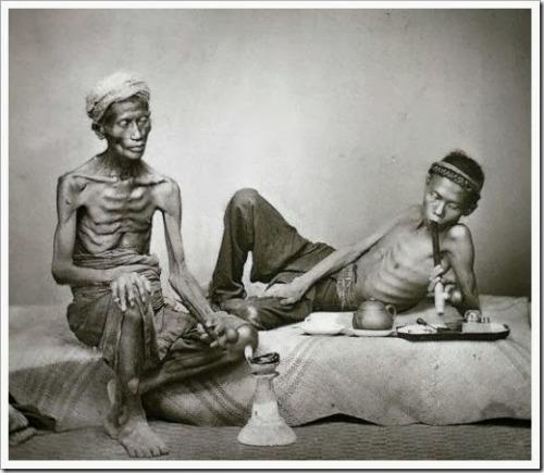 15 raras fotografias antigas de fumantes de ópioEm 1906, a produção mundial de ópio tinha alcançado mais de 41.000 toneladas. Em comparação, cem…View Post