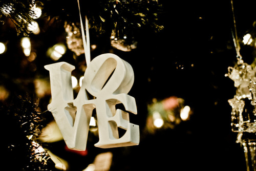 "Christmas ""Love"" (by Laura Swartz pompomflipflop)"