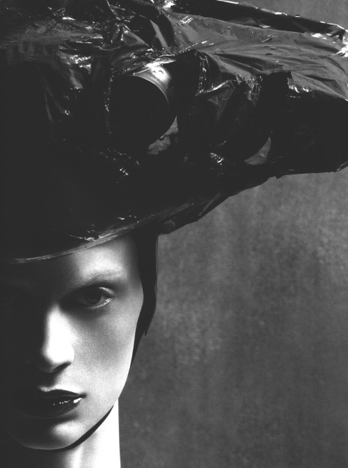 voguelovesme:  kristen mcnemamy by steven meisel for vogue italia