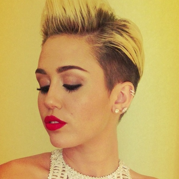 mileynation:  @tishfc: looking gorg!!!!