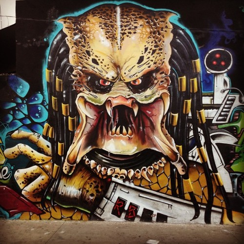 #movie #graffittti #art #urban #street #predator #predador #depredador #popular #grafitti #aerosol #spry #photoofday #photography #fashion #picture #retrato #followme #instafashion #instacool #instagramer