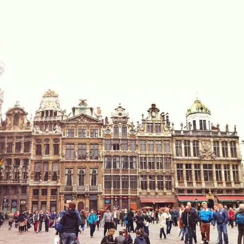 Love the architecture!!! (at Grote Markt / Grand Place)