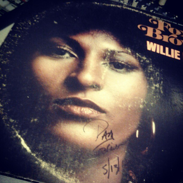 Willie Hutch - Foxy Brown OST White Label Promo version, signed by Foxy herself during her book tour. Got a book signed as well #WillieHutch #FoxyBrown #LP #Soundtrack #OST #Promo #vinyl #records #cratediggin #Funk #Soul #Motown #PamGrier #waxwars @djtonyg @rhettmatic @cut_chemist