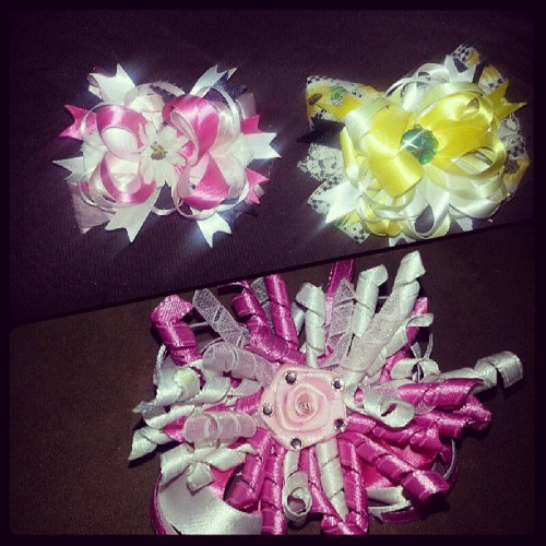 #bows #Imade #crafts #first-time #notbad #pink #yellow #korker #stacked #flower #proud