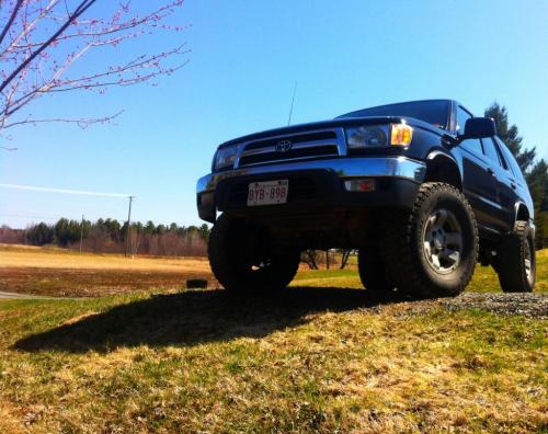 gornishhick:  My yota lovin the nice weather!