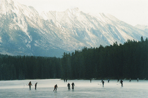 clubmonaco:  Strap on your skates and throw the puck around this weekend.   skating here would be like a dream come true