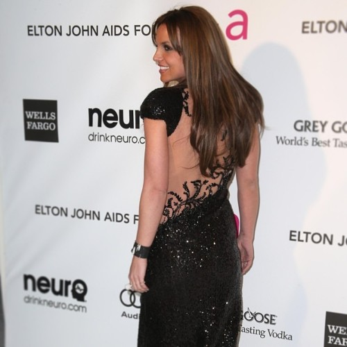 Brunetteney Is Back! @britneyspears <3 #britneyspears #eltonjohn #brunette #britneyarmy #itsbritneybitch #dark #hair #dress #outfit #glamour #heels #gay #hot #girl #woman