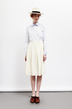 New brand I'm stalking: Colenimo.  About:  We love traditional fabrics, strong women, modern shapes and vintage details. Colenimo is committed to making in the UK. All woven pieces are produced in London, fabric is sourced in England and buttons are British made. We make garments for today that encapsulate a perfect vision of yesterday.  Every piece is so simple, versatile and beautiful…The proof of beauty in simplicity. Swoon x 10.