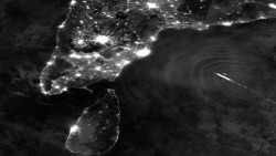 space-pics:  Weird Gravity Waves Pulse From a Tropical Cyclone http://space-pics.tumblr.com/