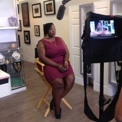 Being interviewed for a Natural Hair Documentary on International Natural Hair Day weekend event Hosted by the #UntamedLadies! #INHMW #Untamedladies #naturalhair #naturallycurlykinky  (at Shoe Fanatix)