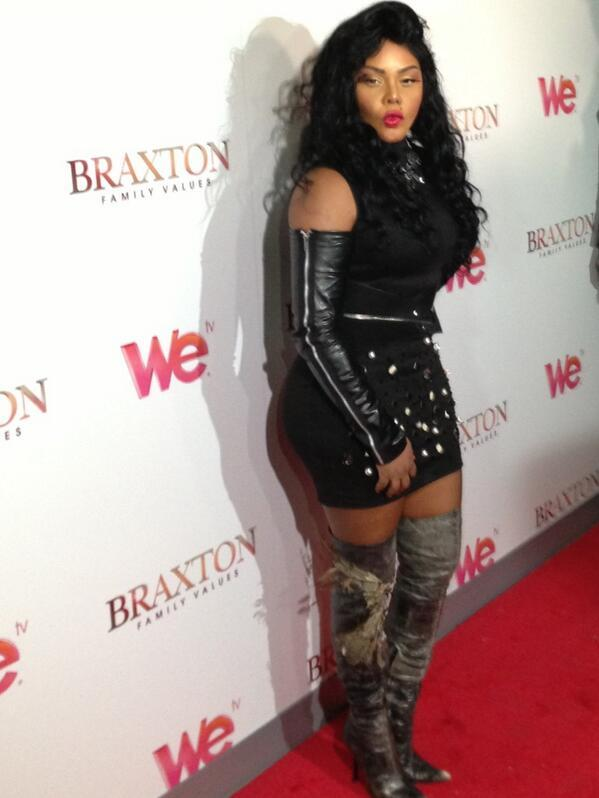 Lil Kim - . @LilKim stopped by the #bfvpremiereparty to give the paps some camera love
