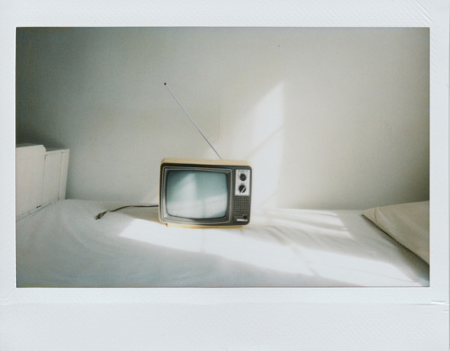 rickydekker:  The TV is on but the colors are gone by ╮(╯_╰)╭… on Flickr.