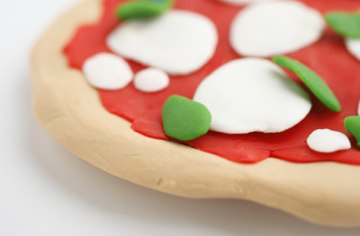 discoverynews:  3-D Printed Pizza to Feed Mars Colonists? Well, the prototype 3-D pizza printer won't actually feed the colonists — nice idea though — but the technique to print food has attracted a $125,000 NASA grant for a mechanical engineer to further develop his idea. Could it feed astronauts and the future Earth? Possibly.  Wait. Are you guys saying that you're trying to make a food replicator? All my dreams are about to come true