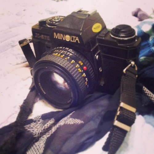 lionsforbreakfast:  Trying to fix this #minolta that sat in a shed for 30 years. Probably not going to get very far but its worth a shot.