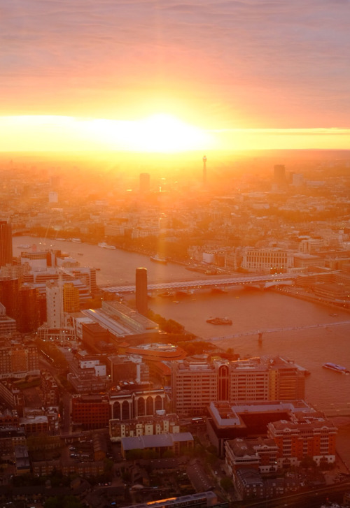 mystic-revelations:  One more sunset shot from the shard by Chic*ka