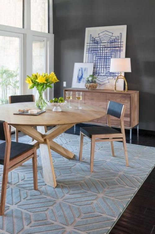 A Stunning Jeff Lewis Rug Pulls Together And Enlivens Moody Dining Room