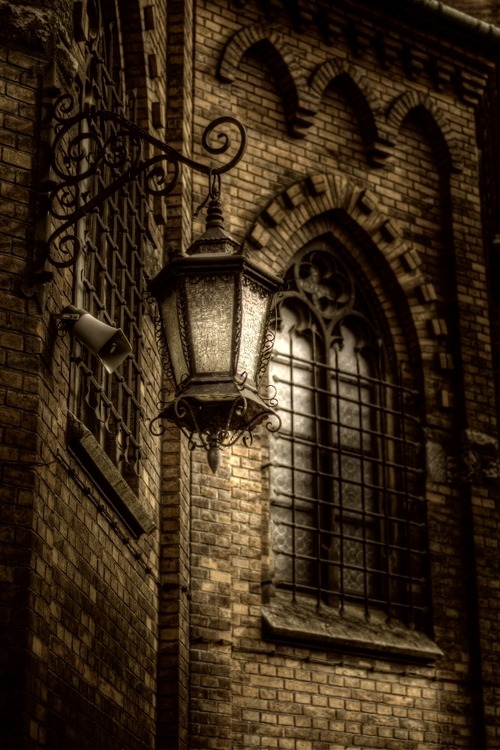 Lantern, Krakow, Poland photo via supra