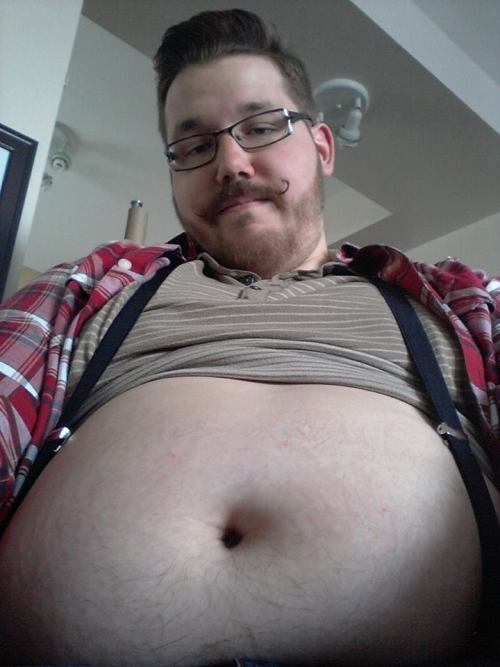cumdrippingchubs:simplyembearrassing is a hot as fuck chub who shoots some nice loads. check him out!