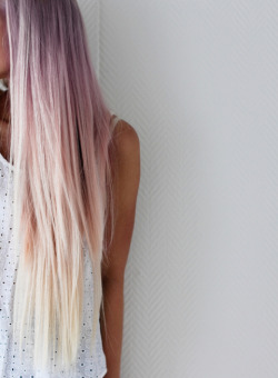 princessrekus:  ombre | Tumblr on We Heart It - http://weheartit.com/entry/61640888/via/Cs_Reka   Hearted from: http://www.tumblr.com/tagged/ombre