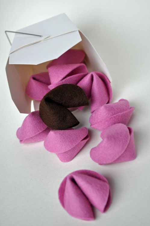 DIY Easiest Felt Fortune Cookies Ever Tutorial from Honest to Nod here. I like this Valentines Day idea so much better than the coupon books I've been seeing. These are no sew and no glue and require three stitches. You can find really cheap take-out containers at the Dollar Store in their bridal section. For paper fortune cookies go here: truebluemeandyou.tumblr.com/tagged/fortune-cookies