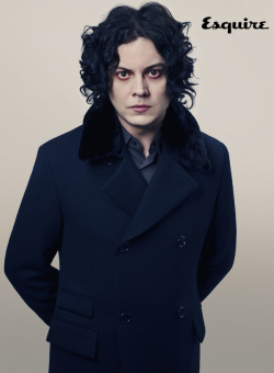 darqueandlovely:  tea-nagecrime:  Drawing Jack White, mm yis  The living Sweeney Todd