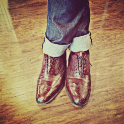 Maroon oxfords #shoes #menswear #oxfords #fashion #style #denim #wood