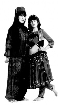 bigtimebellydance:  Happy Mother's Day, everyone! ♥♥♥ (Jamila Salimpour; the epic lady who helped popularize and establish Middle Eastern dance in the US, alongside her daughter Suhaila, who is carrying on her mother's teachings into the 21st century via her own dance school, w/lessons available IRL as well as online. :)) ♥