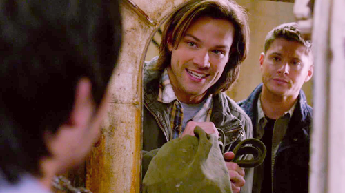 Sam looking cute!  Supernatural 8.21 The Great Escapis