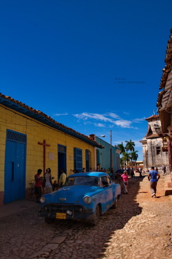 Blue Car Old Car driving thru the Streets of Trinidad, Cuba. Canon EOS 40D1/250sISO 400f/11.3 Trinidad,Cuba Flickr - Twitter - Facebook - Google+ - Posterous - 500px Copyright © BorisJ Photography - Boris Jusseit - all rights reserved - please do not use this image on any media without my permission.