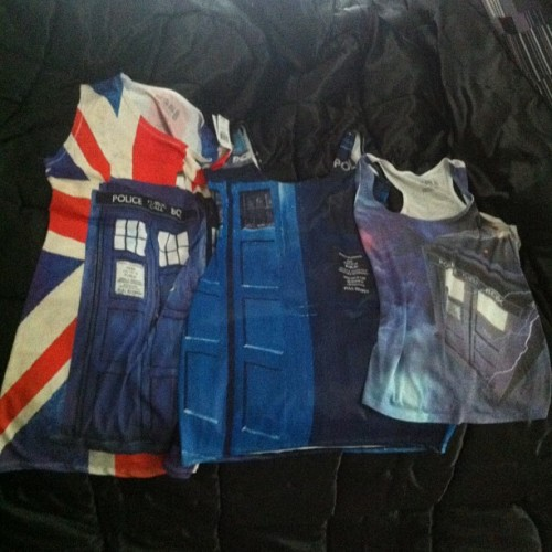 there seems to be a trend in my wardrobe… #doctorwho #tardis #blackmilkclothing @blackmilkclothing #nerd