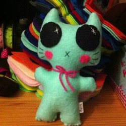 Packing up a little mint kitty. Lots if other littles left to sew and stuff this week for Kid Icarus in Kensington! Bust catch up week! #needlings #etsy #felt #kawaii #kitty #cat #plush #toy #handmade #crafts