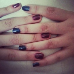 Me: Maroon @istellepo : blue #nails