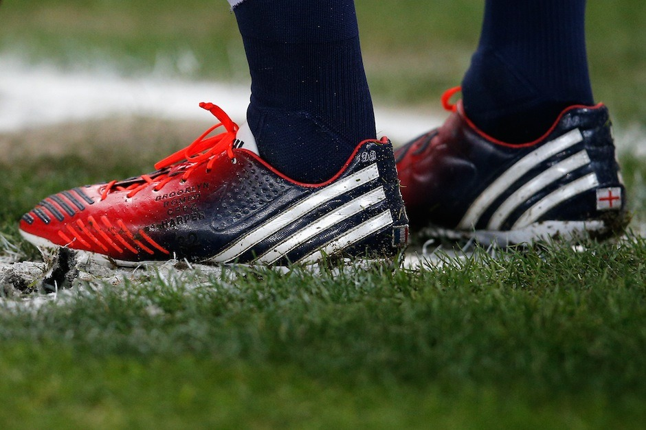 adidasfootball:  There comes a time for every player to hang up their boots and it's now David Beckham's moment. To celebrate his illustrious career, Beckham designed his last pair of boots, his miadidas Predator LZ, which represent his British pride.  Create your own at: miadidas.com