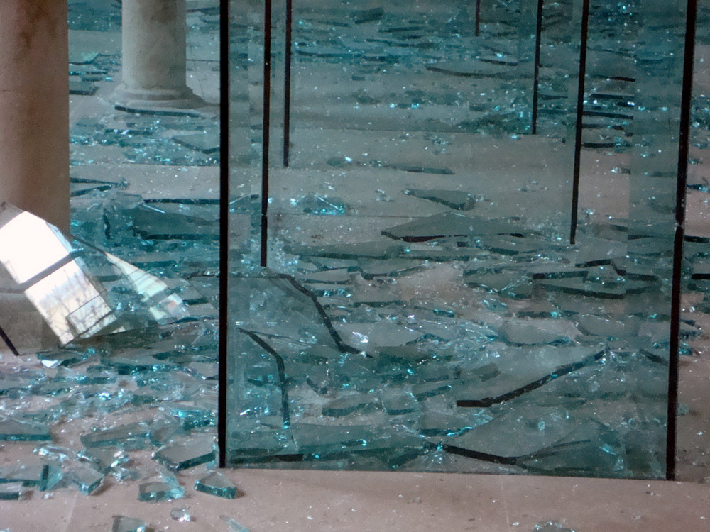 likeafieldmouse:  Claudio Parmiggiani - Sea of Broken Glass (2010)