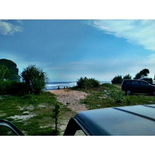 Let's go to the beach, each, let's go get away. (at Pantai Goa Cina)